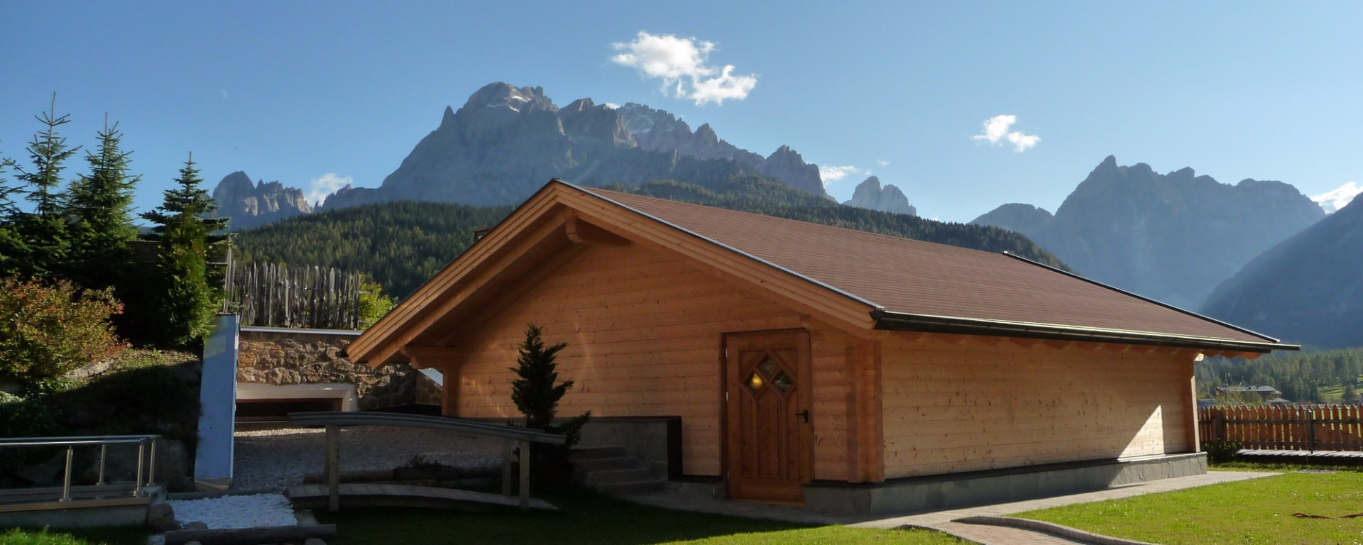 Panoramic sauna relaxing room at your Biohotel Sexten / Sesto with view to the Dolomites