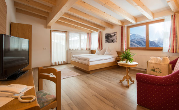 Biovita Alpi Hotel Sesto Moso Pusteria - Suite Monte Elmo with mountain view at the Monte Elmo. Big Suite with balcony and in a very quietful position.